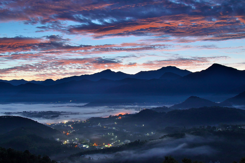 Mt.Jinlong Colorful Sunrise Picture: Mark Kao/flickr